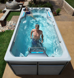 Happy Hot Tubs launched new range at 2016 Show